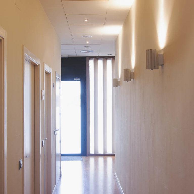 implantes dentales madrid pasillo (1)